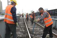 鐵路熱修進行時 鐵路職工超勞否?